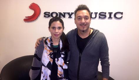 Javiera Mena firma con Sony Music