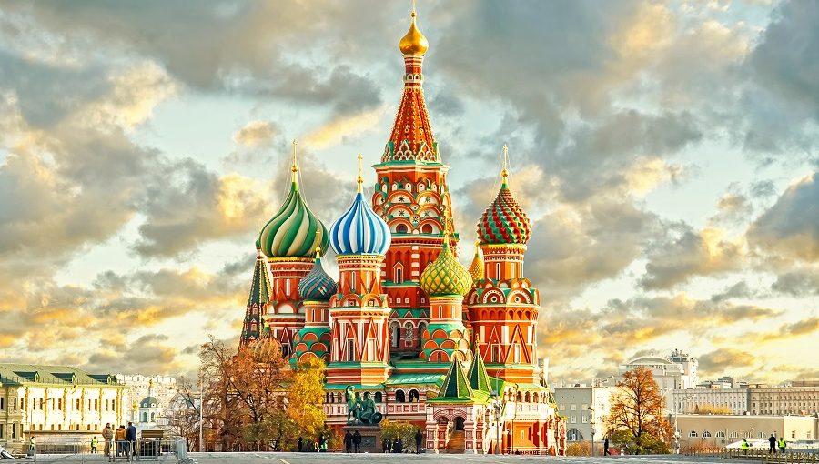 ¿Pensando en viajar a Rusia? WOM te da unos consejos para estar comunicado