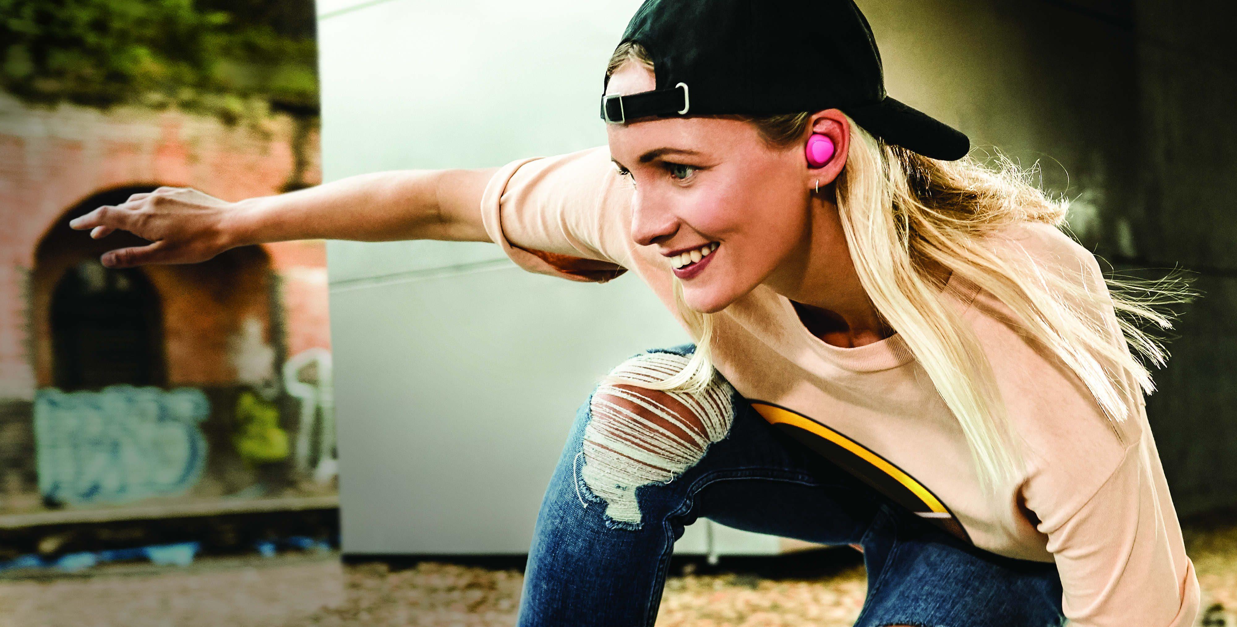 Lleva tu música a todas partes y sin cables con los audífonos Gear IconX