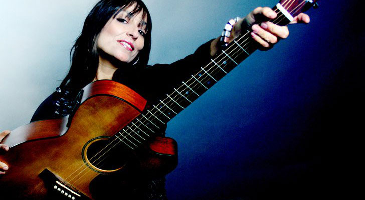 Javiera Parra busca acercar la música nacional con concierto en San Antonio