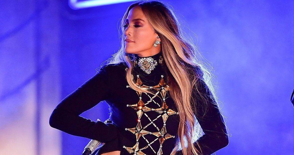 """""""El anillo"""", el videoclip que Jennifer Lopez lanzó en los Latin Billboards"""