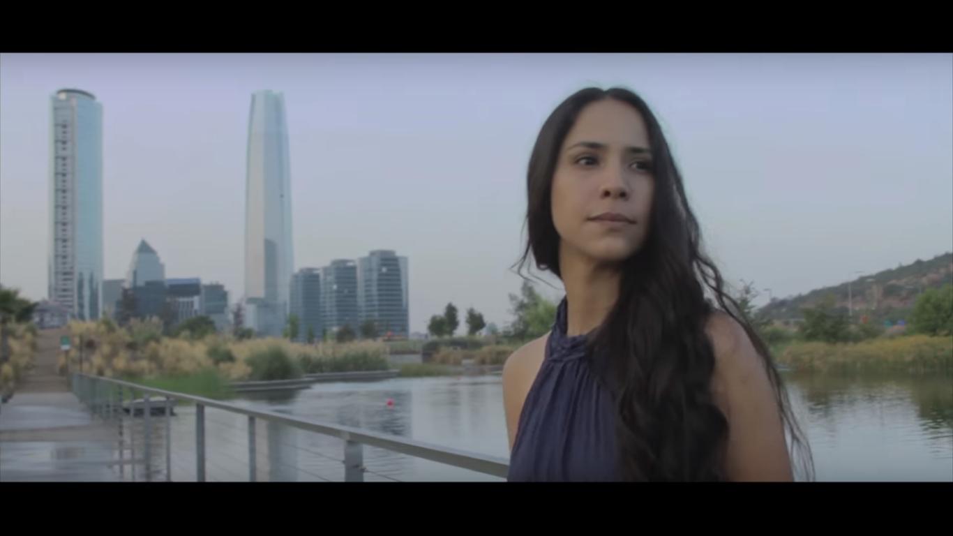 [ENTREVISTA] Cari Monteci, la nueva voz de la balada en Chile
