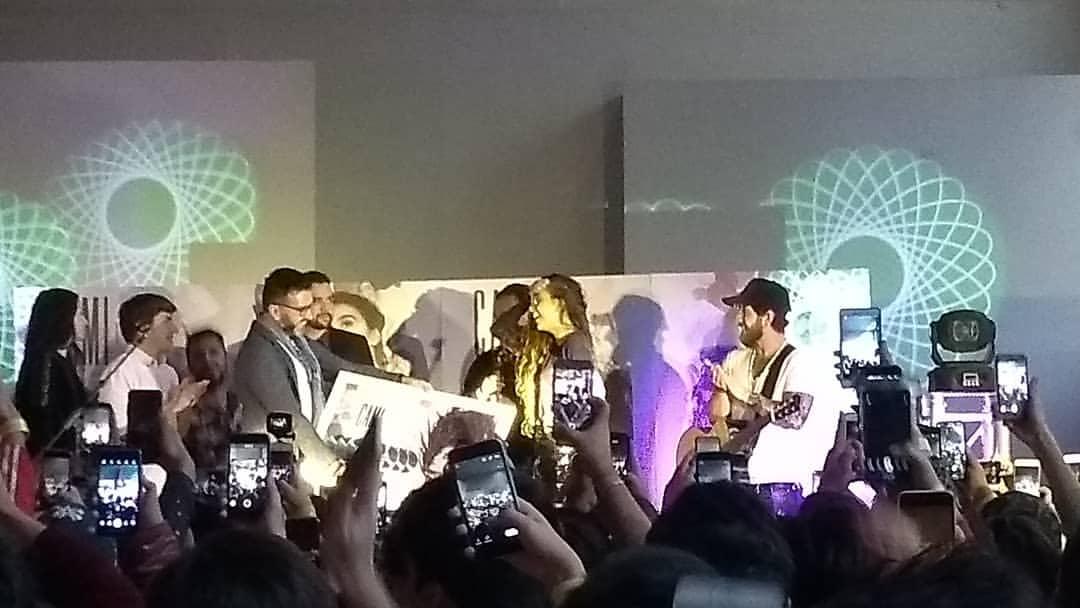 """Camila Gallardo estrena su álbum """"Rosa"""" con Sextuple Disco de Platino"""