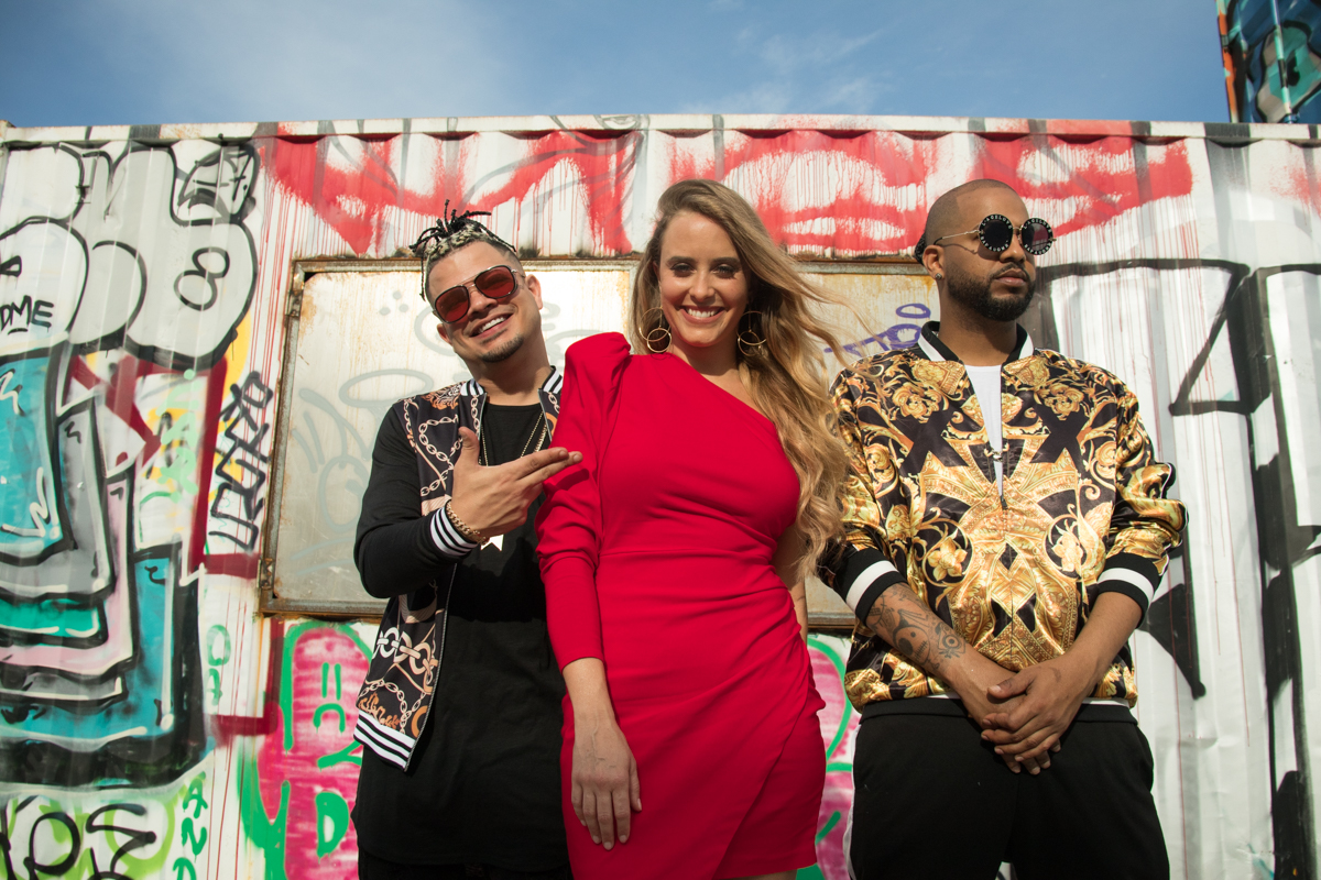 """Consuelo Schuster presenta el videoclip de """"Dale Remix"""" junto a Jowell y Randy"""