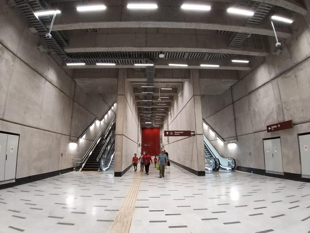 Escalera Estación Plaza de Armas (L3) con gran angular