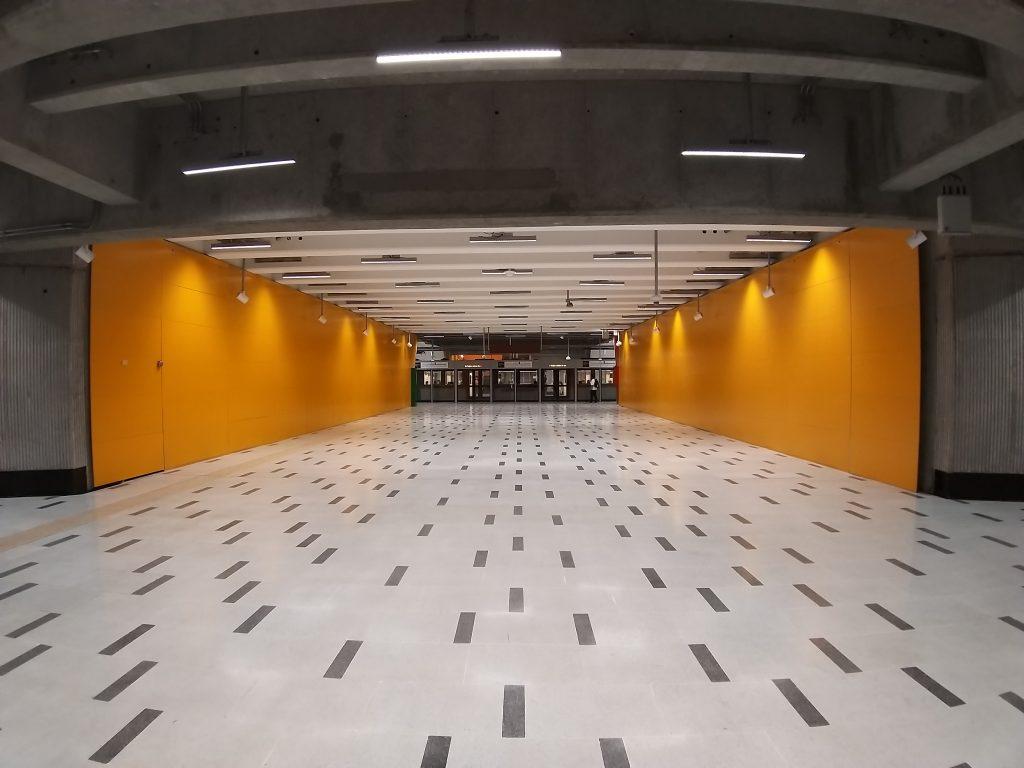 Pasillo acceso estación Parque Almagro L3