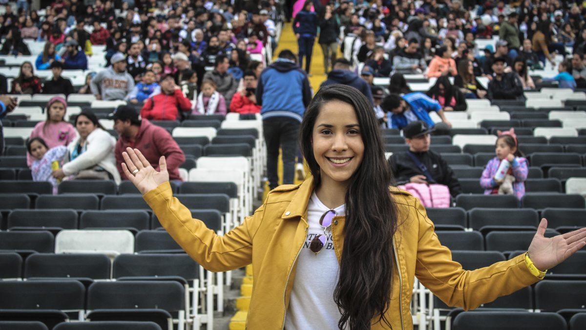 """Cari Monteci sigue haciendo noticia en el fútbol femenino con """"Vamos niña"""""""
