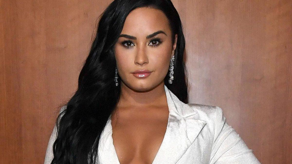 Demi Lovato conversa sobre la salud mental y difunde campaña para terapias