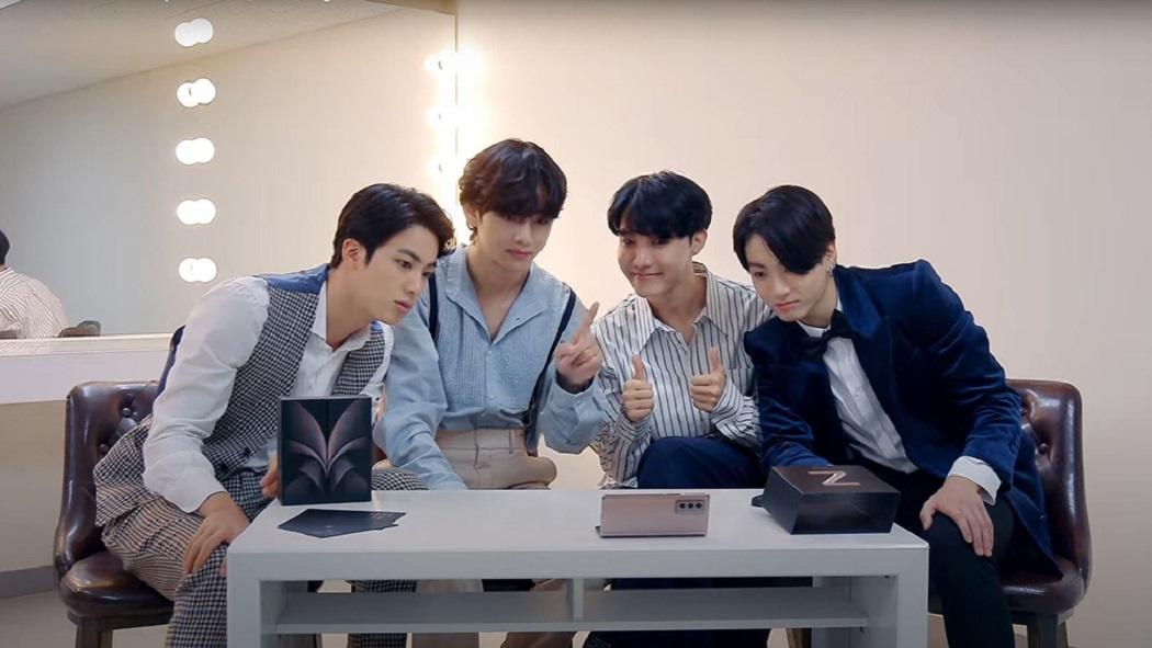 Una Súper-dupla coreana: BTS realiza unboxing del Galaxy Z Fold2