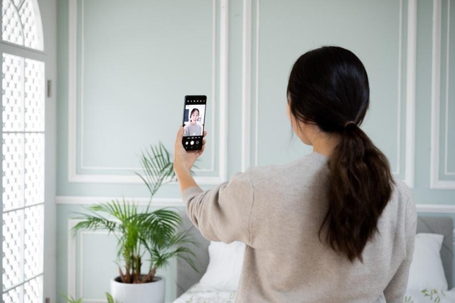 Una mirada al Galaxy S20 FE: Un smartphone con las funciones favoritas de los fans