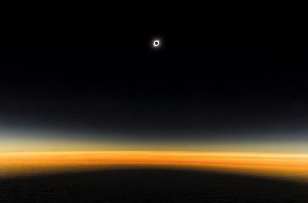Vuelo #S20FanEclipse: Las inolvidables postales del evento astronómico del año