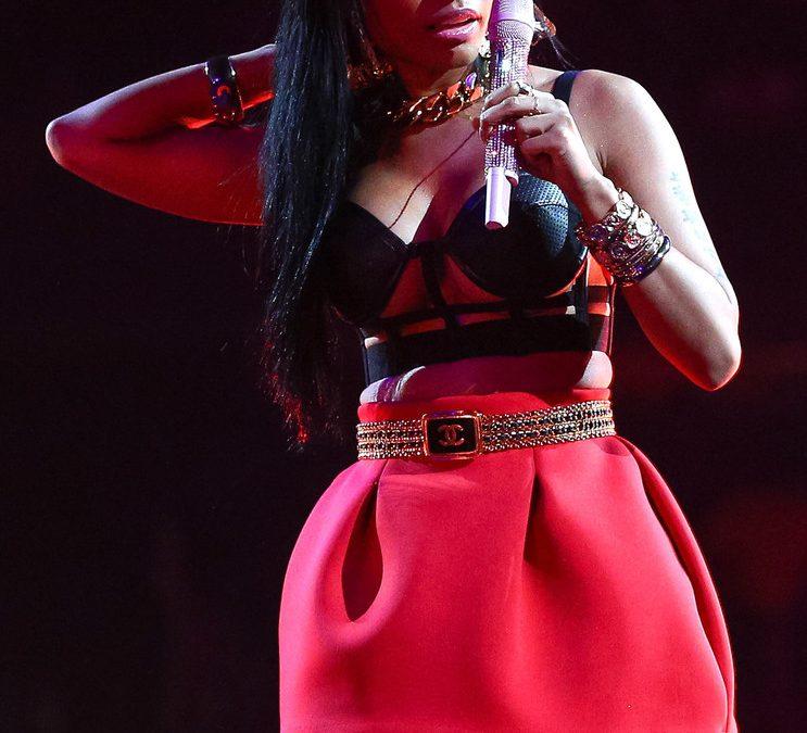 """""""Gracias a Nicki Minaj hoy me he podido graduar"""": Joven universitario agradece a la rapera por pagarle la carrera"""