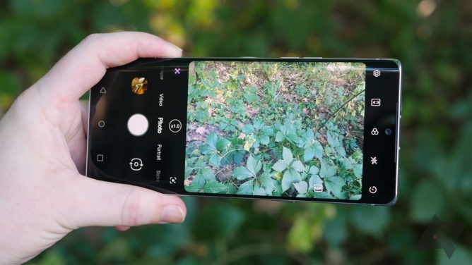 ¿Profesionalizar la fotografía desde el smartphone? Expertos entregan tips para lograr fotos editoriales y moda