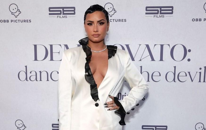 Demi Lovato realiza premiere de su documental con concierto en modo COVID-19