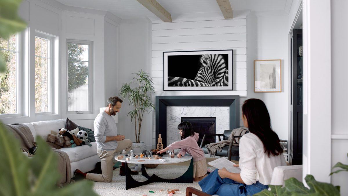 """Samsung celebra """"Semana del Arte"""" en Chile con grandes descuentos para The Frame, el televisor que se convierte en cuadro"""