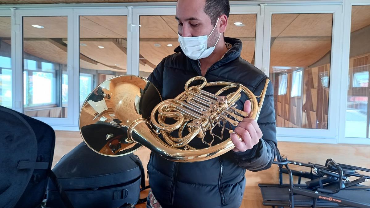 Orquesta CIFAN de Valdivia recibe importante donación de instrumentos