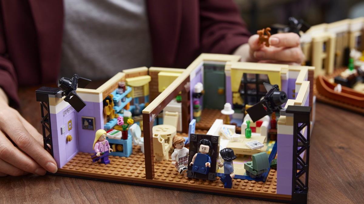 """Lego prepara lanzamiento de su nuevo set inspirado en la serie """"Friends"""""""