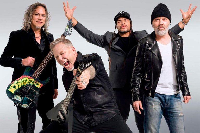 """Con la presencia de Mon Laferte: Metallica celebrará 30 años de """"The Black Album"""" con reedición y disco tributo"""