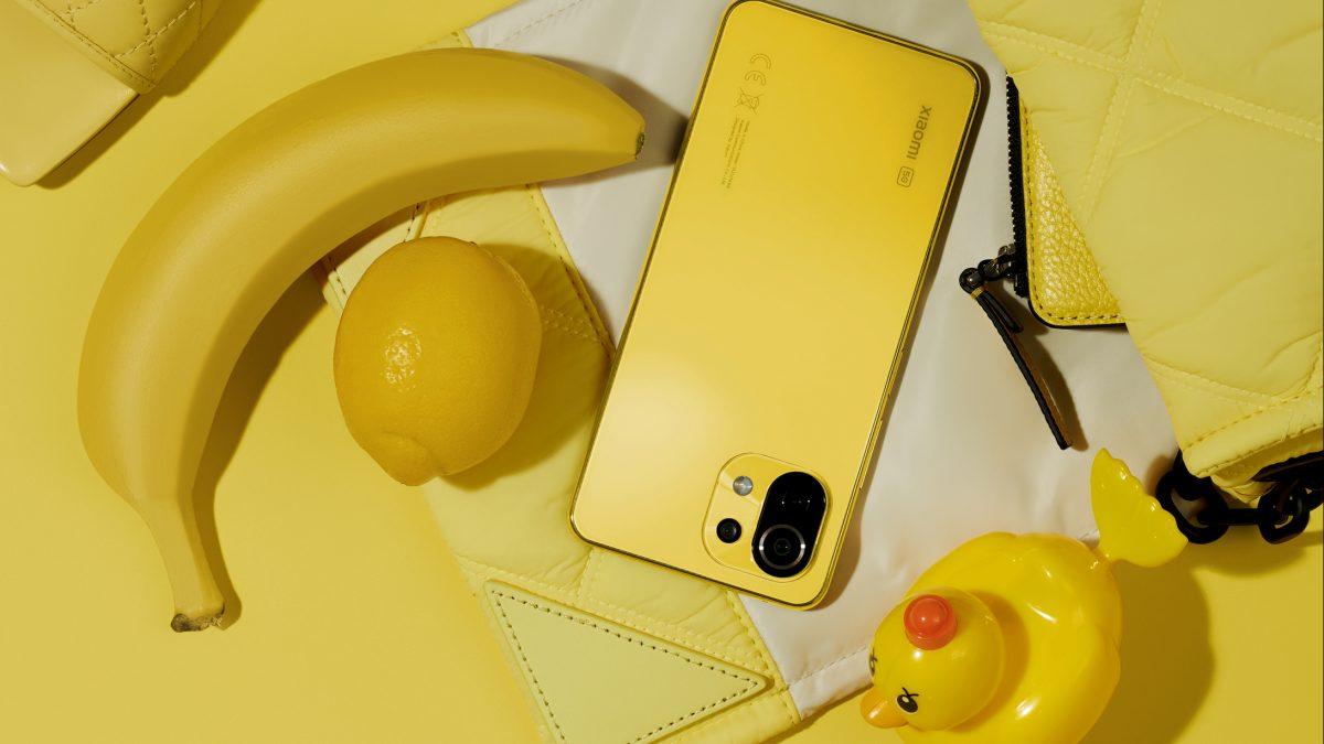 Mi 11 Lite 5G de Xiaomi sorprende con nuevos colores como accesorio de moda